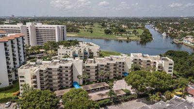 Everglades Condos for Sale in North Palm Beach, Florida