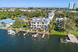 Harbor Villas Townhomes for Sale in North Palm Beach, Florida
